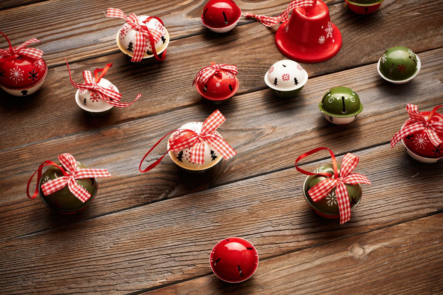 Themed holiday bells